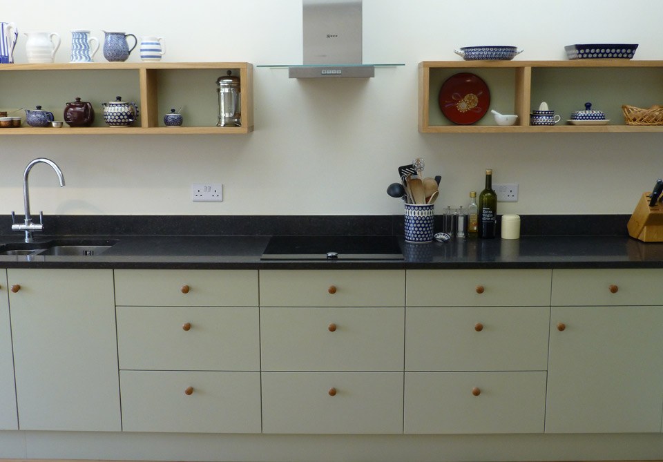 Vert de terre and oak bespoke kitchen by peter henderson for Q furniture brighton co