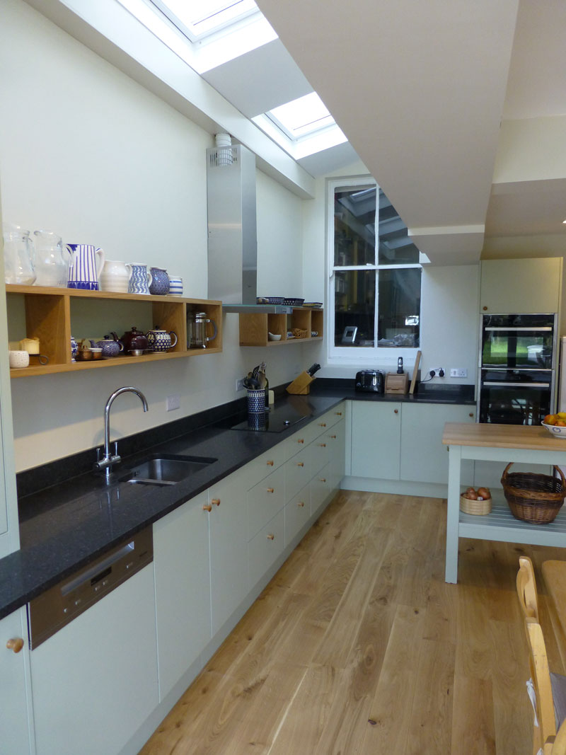 vert de terre  oak bespoke kitchen  peter henderson furniture brighton uk