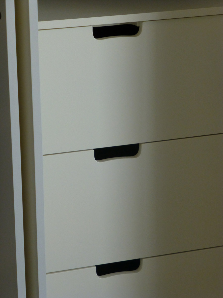 Handleless door wardrobe handmade by by peter henderson furniture brighton uk Handleless kitchen drawers design