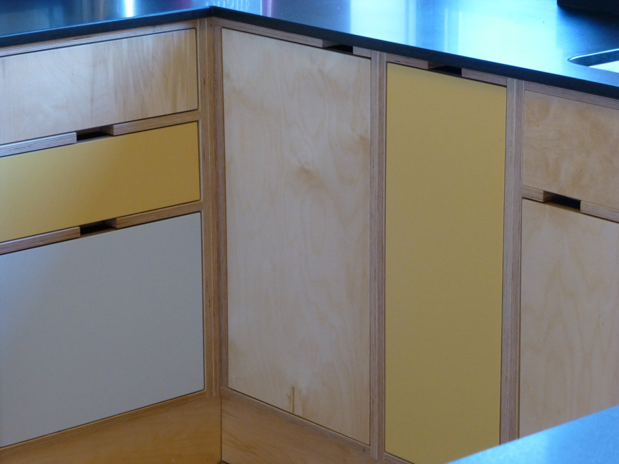 Birch ply custom made kitchen by peter henderson furniture for Plywood cupboard