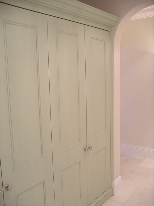 Fitted Linen Cupboard By Peter Henderson Furniture Brighton Uk
